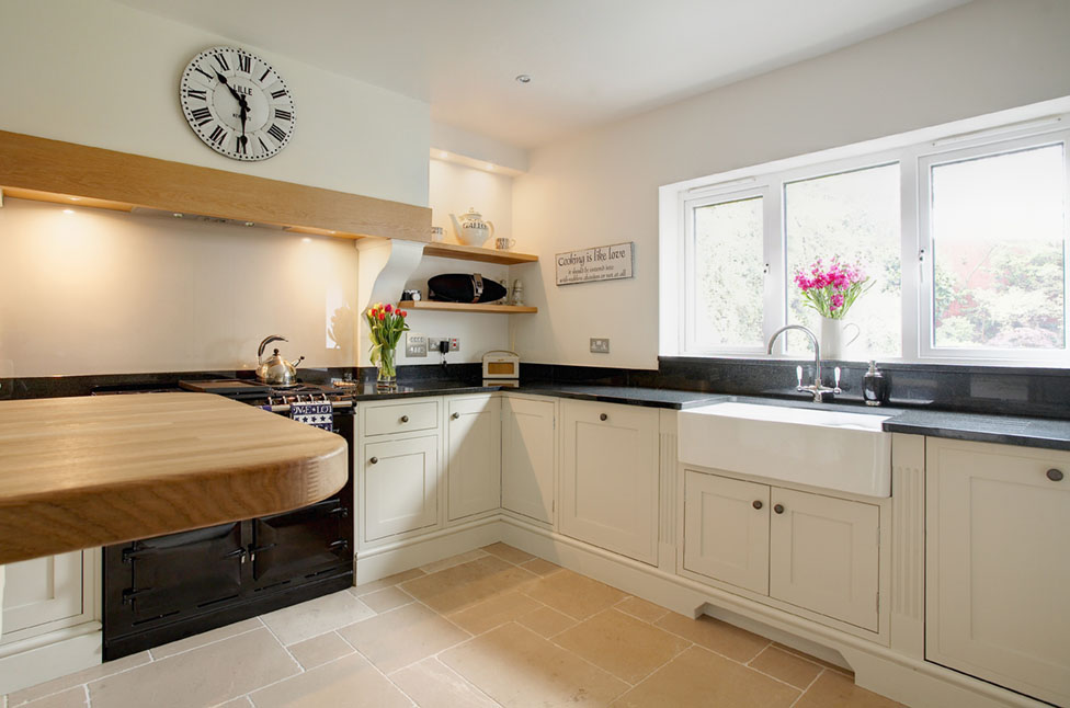 Cream Shaker Kitchen Splashback Ideas